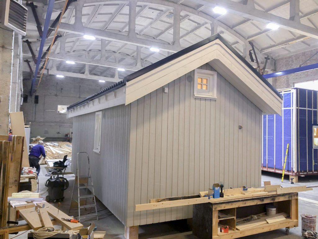 Alla våra hus byggs i perfekta förhållanden i våra inomhusfabriker