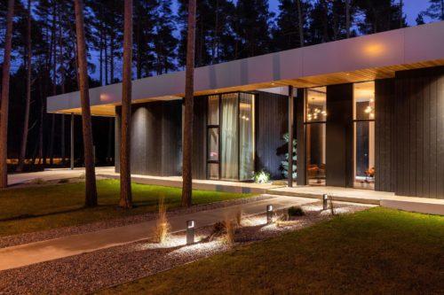 Villa Lyckorus Exteriör Night Entre